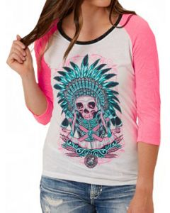 Secret Artist Indian Skull Apache Native American Feather Headdress Tribal Womens 3/4 Long Sleeve Scoop Neck Raglan T-Shirt in White & Pink
